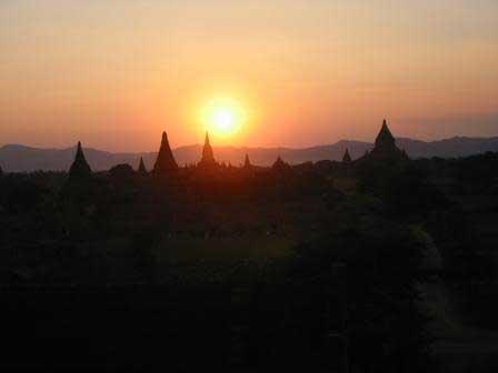 Sundown at Bagan