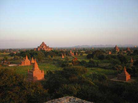 Sunset comes to Bagan