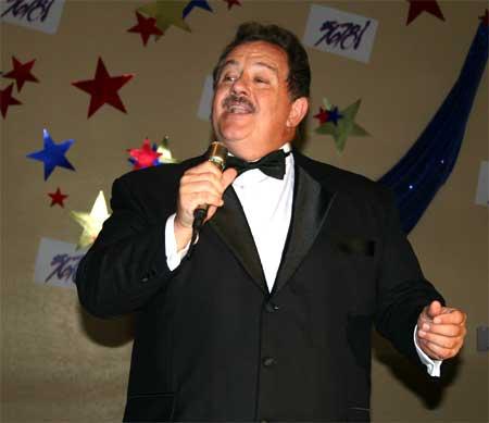 Bob Bieniek Sings L-O-V-E Love
