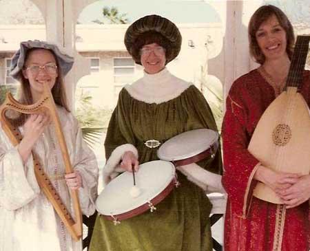 Alice Olsen, Robin Simmons, Diane Kral