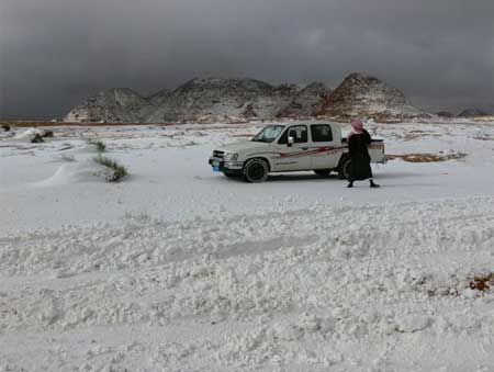 Snow Storm in Tabuk (1)