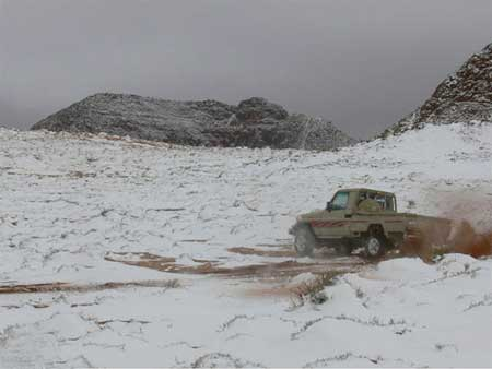 Snow Storm in Tabuk (3)