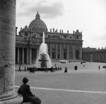 St. Peters Square, Rome, 1949