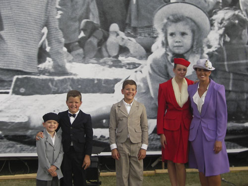 Re-creating the 1947 Brats Visit with the King (7)