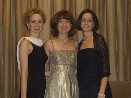 Marlene Shields with daughters Emily and Suzanne