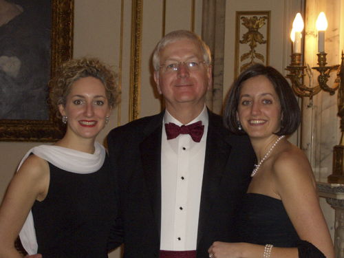 Darryl Shields with daughters Emily and Suzanne