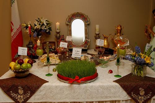 Haft Seen Table