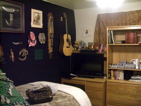 Cortney's Room (1)