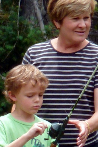 Gami Teaching Drew to Fish (1)